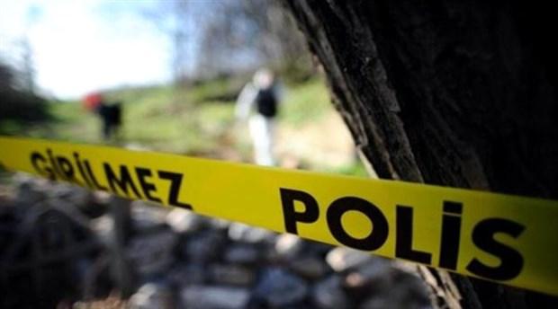 Taksitlerini ödeyemeyen adam, eşini ve kızını öldürdü