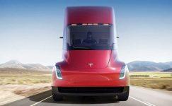 Tesla Semi 150.000 dolar başlangıç fiyatı ile satılacak
