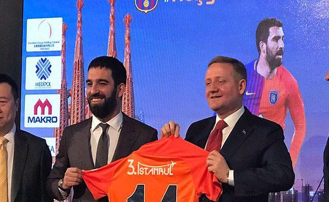 Arda Turan, Başakşehir ile 2,5 yıllık sözleşme imzaladı