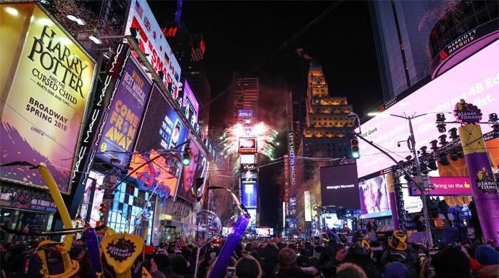 Yeni Yıl kutlamaları Times Meydanı'na ulaştı