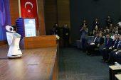 Türk bakanın Ankara'daki konuşmasını aksattığı için susturuldu
