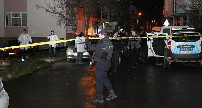 İzmirde Kaçak Asker 1 Polis Şehit etti 1 Polis Yaraladı