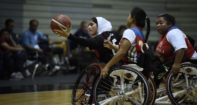 Afganistan'ın tekerlekli sandalye basketbolcuları ilk kez olimpiyatlarda