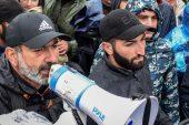 Ermenistan Cumhurbaşkanı Sargsyan protesto lideri Pashinyan ile bir araya geldi
