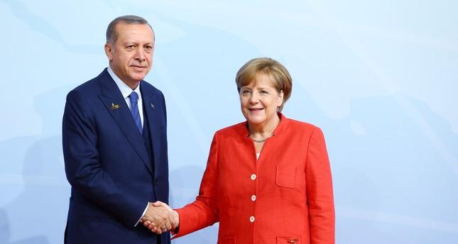 Erdoğan, Merkel Suriye saldırılarını konuştu