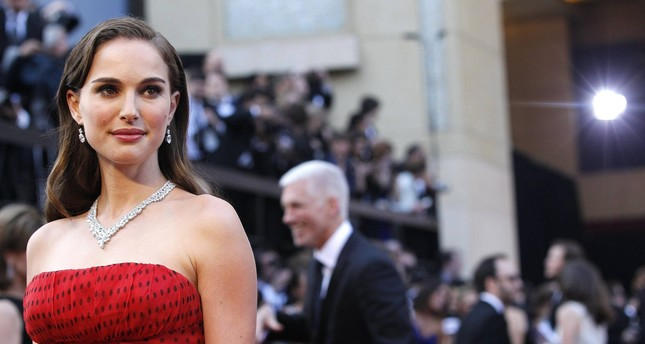 Natalie Portman, Netanyahu'ya karşı Yahudi ödülünü geri çevirdiğini söylüyor