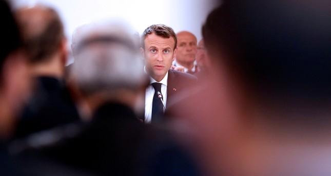 Erdoğan gazetesinde Le Point dergisinin ardında yer almak için Macron'a geri döndü