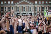 İrlanda, toprak kayması yasasından sonra kürtaj yasasını gevşetiyor