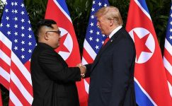 Trump ve Kim Singapur'da tarih yazıyor