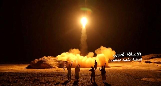 Houthi füze saldırısından sonra Suudi Arabistan'da 3 sivil öldü