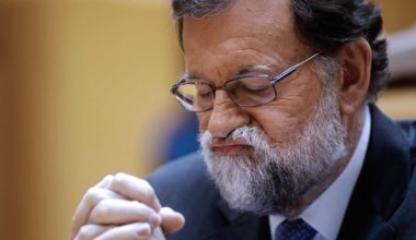 İspanya Başbakanı Rajoy parlamento tarafından devrildi