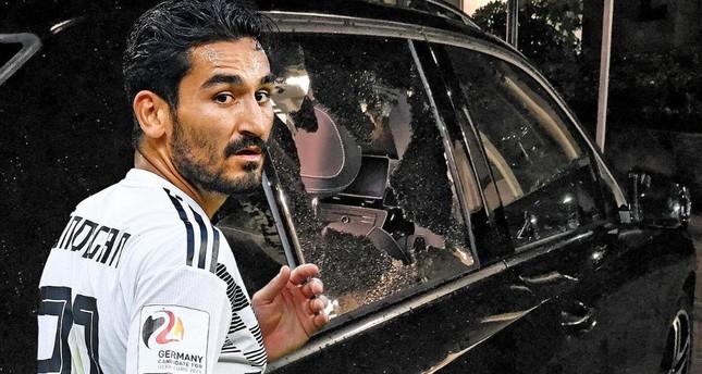 İlkay Gündoğan'ın  Arabasına Saldırdılar