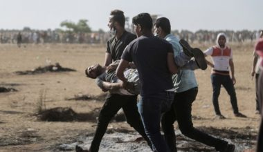 İsrail Savaş Suçu İşliyor