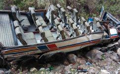 Kuzey Hindistan otobüs kazasında en az 40 ölü