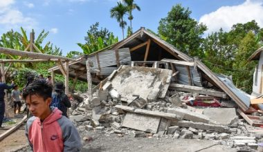 7.0 deprem Endonezya'nın Lombok adasını sallıyor