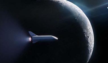 SpaceX, Ay'a turist göndermesi için yeni bir plan duyurdu