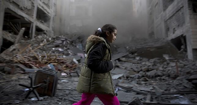 İsrail'in Gazze'ye saldırmasıyla 5 Filistinli öldü