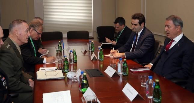 Savunma Bakanı Akar, ABD genelkurmay başkanı Dunford ile görüştü ve YPG fotoğraflarını uyardı
