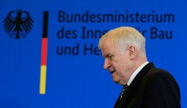 Alman İçişleri Bakanı, CSU lideri olarak görevden ayrılacak