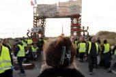 Fransa Başbakanı Phillipe, yakıt vergisi zamlarının durduğunu açıkladı