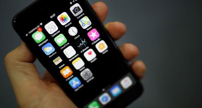 BAE'de çalışan gizli ABD istihbarat ekibi rakip iPhone'lara gözattı