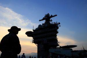 ABD destroyer Çin ile olan ticaret görüşmelerinde tartışmalı Paracel Adaları'na doğru yola çıktı