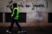 'Sarı yeleği' protestoları Macron başkanlığını sallamaya devam ediyor