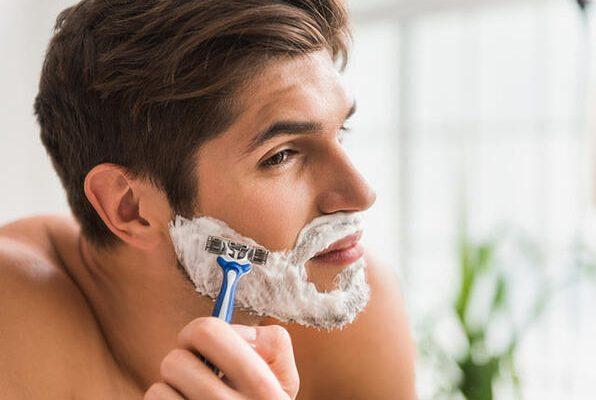 Tıraş Olmak İçin Neden Jilet Veya Ustura Yerine Tıraş Makinesi Kullanmalısınız?